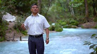 Profesor Edmundo Mendoza con Sonal Kokonob' - El Indito Jakalteco