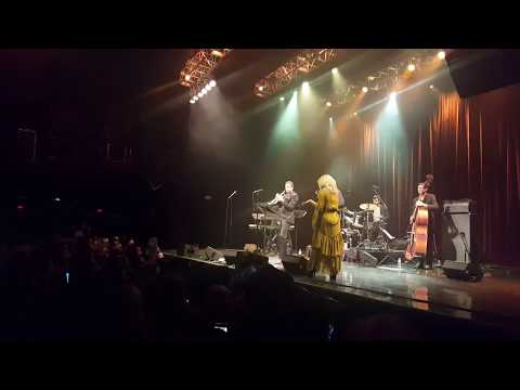 Lady Gaga & Brian Newman: What Diff'erence A Day Makes (House of Blues - September 2, 2017)