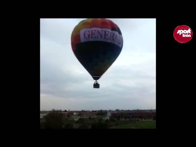 Sáenz de Santamaría vive un accidentado aterrizaje en globo con Jesús Calleja