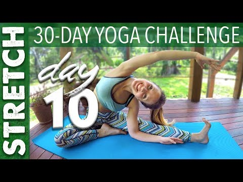 day---10---stretch---30-day-yoga-challenge---yogacandi