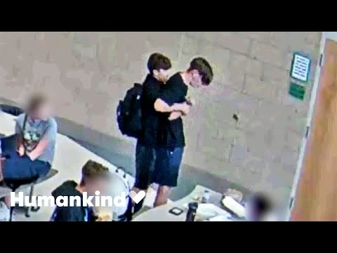 Teen's reaction to friend choking is unbelievable | Humankind