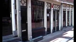 Video Gordijnensteeg and Bloedstraat in Amsterdam's Red Light District download MP3, 3GP, MP4, WEBM, AVI, FLV Maret 2018