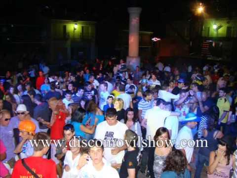 Discomovilshow en navas del rey Madrid viernes Camion Escenario DJ SANTI