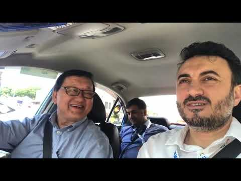A taxi driver in Singapore welcomes Azerbaijan and says that