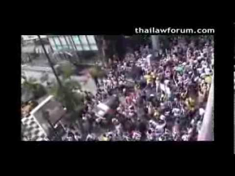 Thailand Protests 2013 Yellow Shirts March on Sukhumvit Road