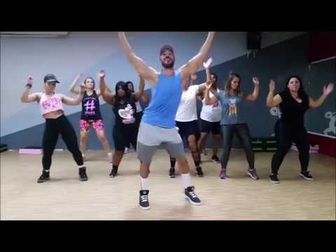 Staying Alive - Cumbia ( ZumbaⓇ )