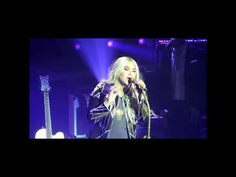 Kesha- Rainbow live 2017 HD
