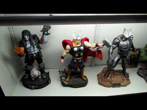 display-case-of-xm-thor,-sideshow-destroyer-maquette,-pf-hulk-and-lobo..