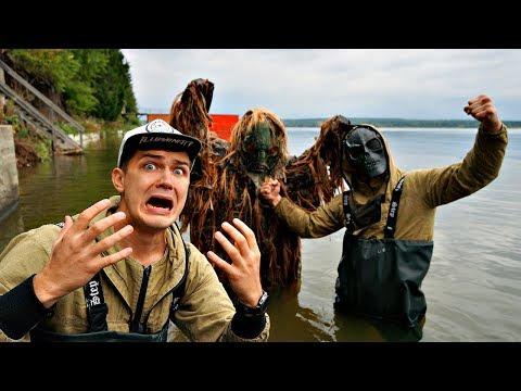 Мы решили поймать болотного монстра с большим Скрягой, чтобы спасти другого Скрягу
