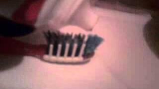 Черная зубная паста.3gp