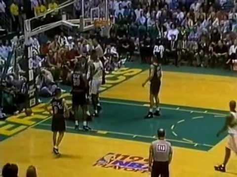 Dikembe Mutombo Blocks 31 Shots in 5-Game Series (1994 Playoffs)