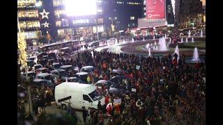 Përshkallëzohet protesta, studentët bllokojnë rrethrrotullimin e Zogut të Zi