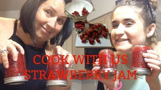 COOKING WITH CAM FEAT: MY MOM / Strawberry Jam // Camsglam