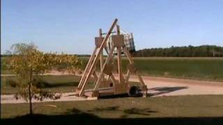 Trebuchet Catapult Launching
