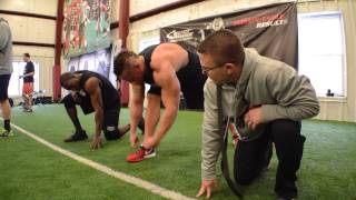 inner armour bodybuilder vs football athlete sprint challenge