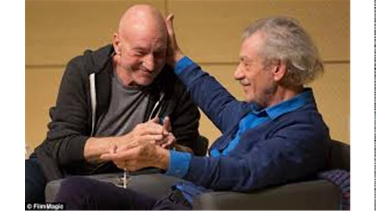 Patrick Stewart plants a huge KISS on best friend Sir Ian ... |Ian Mckellen Patrick Stewart Kiss