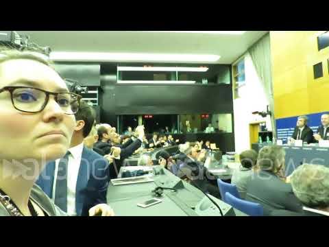 """Scontro Salvini-giornalisti: """"Educazione almeno oggi"""""""