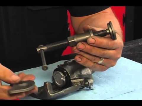 Bremse Caliper - udskiftning af bagerste Caliper. - YouTube