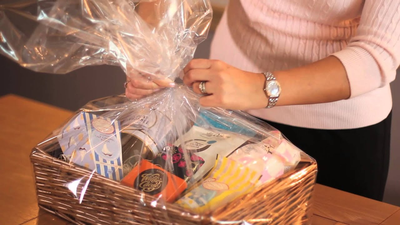 Make Your Own Baby Gift Basket Ideas : How to make your own gift hamper