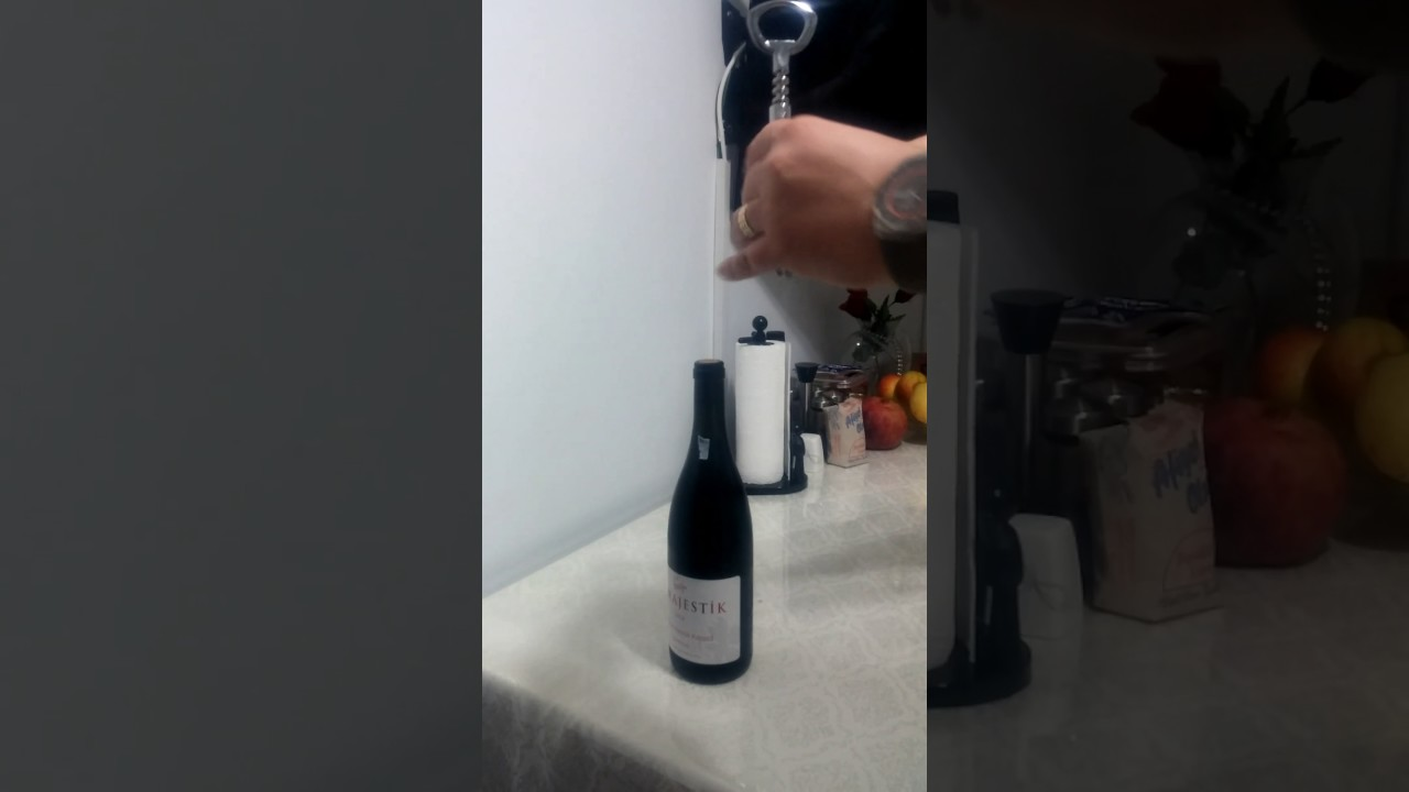 Şarap Açacağı Olmadan Şarap Nasıl Açılır