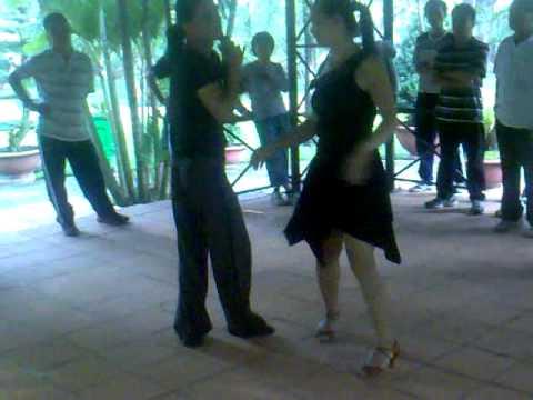 Khiêu vũ ở Công viên Gia định - Bebop 10 bước