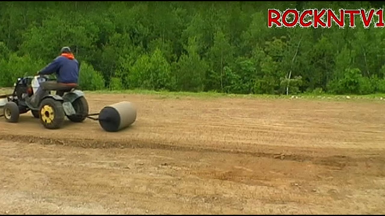Lawn Roller: Sears Garden Tractor, Suburban ss15 pulling - YouTube