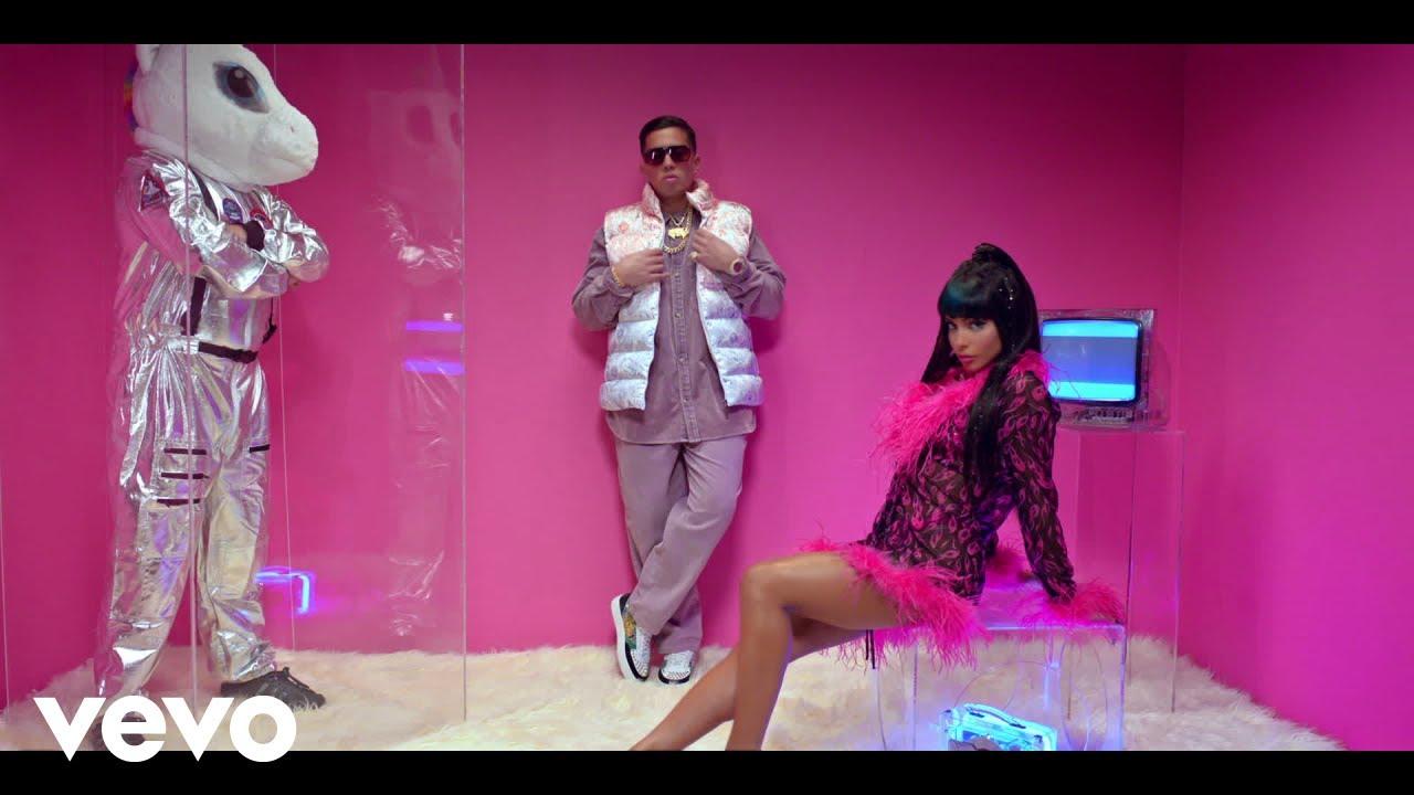 Chesca, De La Ghetto - Como Tu Me Querias (Remix) - download from YouTube for free