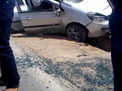 accident de voiture banale a saida algerie youtube. Black Bedroom Furniture Sets. Home Design Ideas