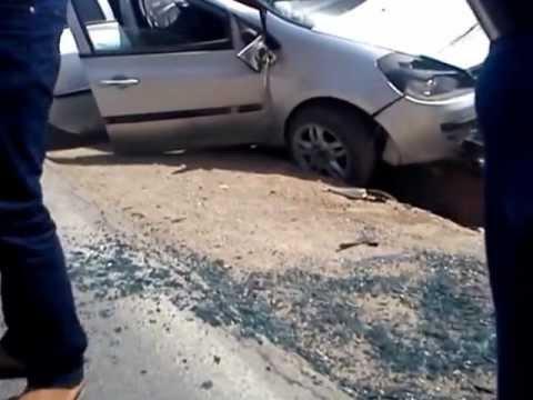 accident de voiture banale a saida algerie youtube. Black Bedroom Furniture Sets. Home Design Ideas