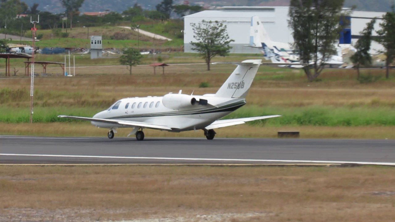 Cessna 525A Citation CJ2 - YouTube