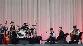 Leonard Cohen Who By Fire (Javier Intro & superb violin)  Ghent  12 08 12