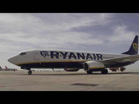 The Arrival of the Inaugural Ryanair Flight to Amman