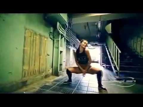 Booty Twerking Ass Shaking Dancers