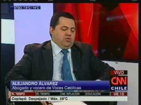 Alejandro Álvarez en CNN hablando sobre reforma al proceso de nulidad matrimonial