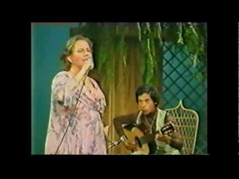 """CHABUCA GRANDA  """"La Flor De La Canela""""  - Guitarra: ALVARO LAGOS"""