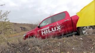 видео Легендарный пикап – Toyota Hilux