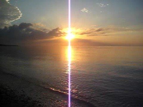 久米島東海岸、イーフビーチで見る朝日