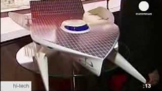Катамаран на солнечной энергии(Швейцарско-французская команда PlanetSolar приступила к строительству одноимённого катамарана, который должен..., 2009-01-06T10:27:26.000Z)