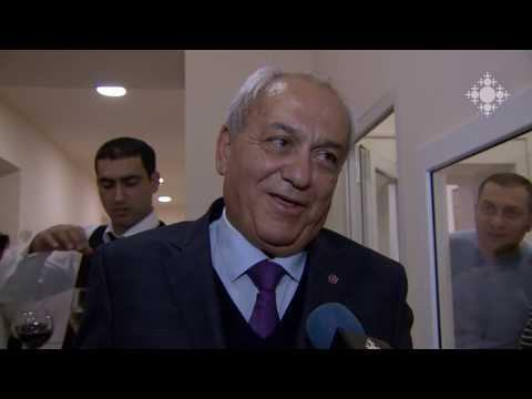 Armenischer Unternehmer Verein Arman Derderyan Founds Poliklinik Yerevan