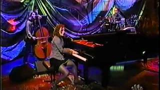 Tori Amos  Jackie's Strength  and interview LENO 1998 HQ
