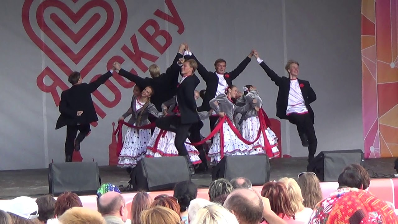 Русские народные танцы » Перуница