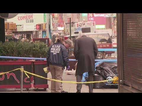 Police Probe Deadly Shooting Outside Bar Near Times Square