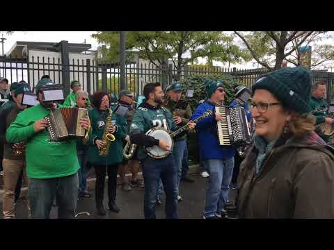 "Pennsport String Band plays ""Fly Eagles Fly"""