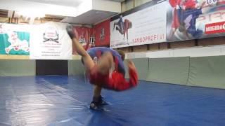 Самбо Первый урок  6 правил бросков вперед(Видео уроки по самбо от Дмитрия Гончарова http://school.sambo-profi.com., 2014-12-18T11:44:50.000Z)