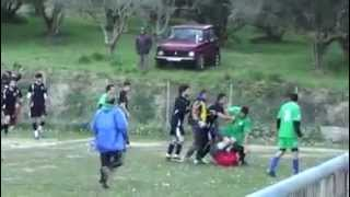 Έδειραν το διαιτητή σε ερασιτεχνικό αγώνα (Ηρακλής Πύργου – Άφοβος Βροχίτσας) thumbnail