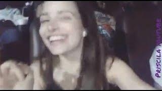 Giovanna Chaves Assistindo o Filme no Cinema