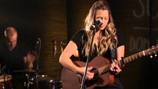 "Colbie Caillat ""Bubbly"" Guitar Center's Singer-Songwriter 4"