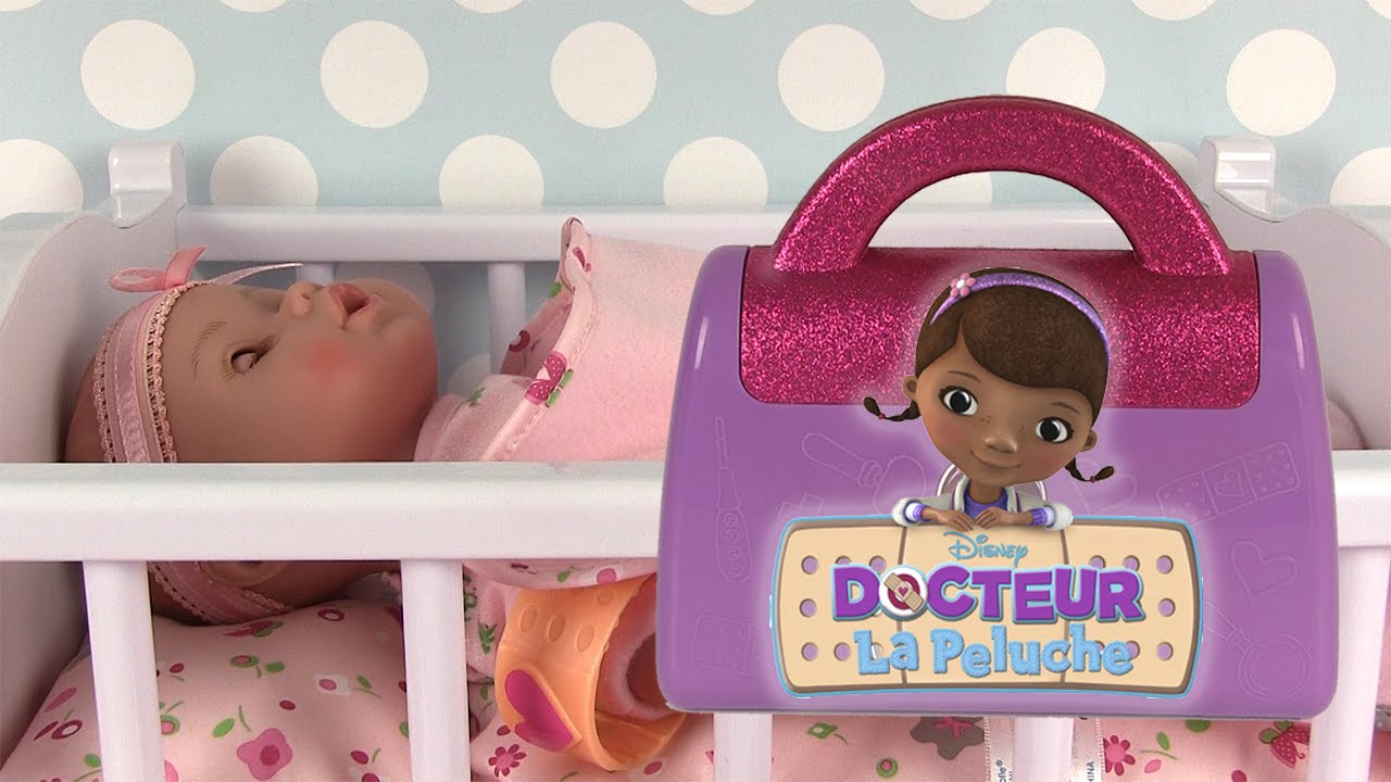 docteur la peluche mallette de docteur doc mcstuffins doctor bag avec poupon adora youtube. Black Bedroom Furniture Sets. Home Design Ideas