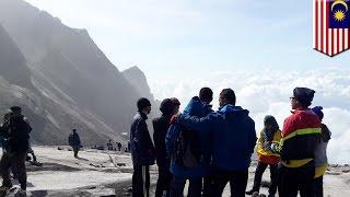 Землетрясение в Малайзии: более 150 туристов не могут спуститься с горы(Более 150 человек не могут спуститься с горы Кинабалу в Малайзии после 6-балльного землетрясения в штате..., 2015-06-08T09:46:17.000Z)