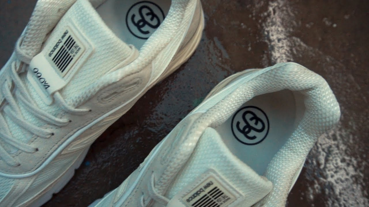 the latest 13ecb e4f28 A Closer Look At The Stussy x New Balance 990v4